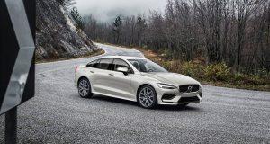 Volvo vyhlasuje koniec naftových motorov a v novom modeli S60 už ich nenájdete.