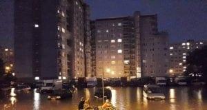 Kolaps v Bratislave, opäť kvôli silným dažďom. Ľudia presadli z áut do člnov!