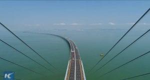 55 km dlhý most prekonáva nielen vodu, ale aj ľudské chápanie