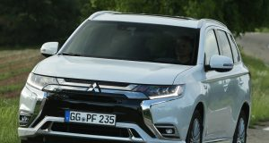 Najpredávanejší plug-in hybrid v Európe, Mitsubishi Outlander PHEV, prichádza s vylepšeniami